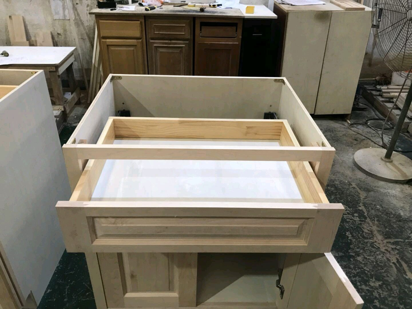 Frame Kitchen Wood Base Cabinet with Dovetail Drawer