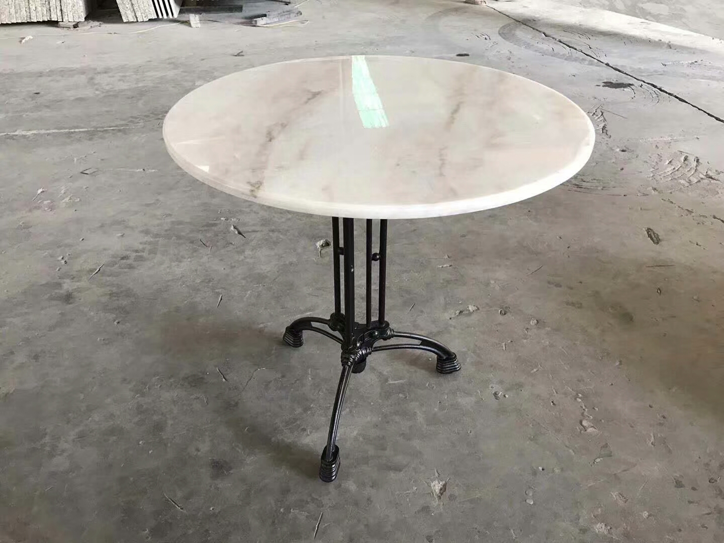 Marble Mountain White Table top