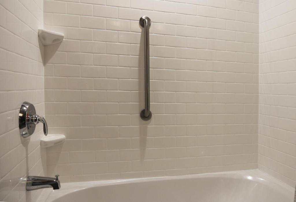 Subway Porcelain Tiles for Bath Tub Surrounding